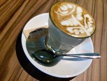 Koffie Latte met latteart. royalty-vrije stock fotografie
