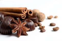 Koffie met chocolade en kruiden Royalty-vrije Stock Foto's