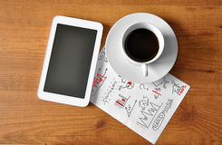 Koffie met digitale tablet Royalty-vrije Stock Foto's