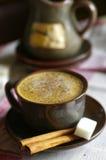 Koffie met kaneel Royalty-vrije Stock Afbeeldingen