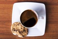 Koffie met koekje stock foto