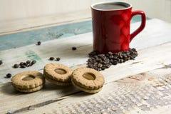 Koffie met koekjes stock foto