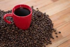 Koffie met koffiebonen Stock Afbeelding