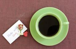 Koffie met liefde wordt gemaakt die Royalty-vrije Stock Foto
