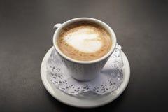 Koffie met melk Cortado Stock Afbeeldingen