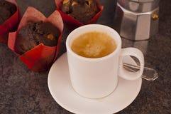 Koffie met muffins Stock Afbeelding