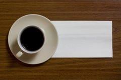 Koffie met servet Stock Afbeeldingen