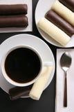 Koffie met snoepjes. Stock Foto's