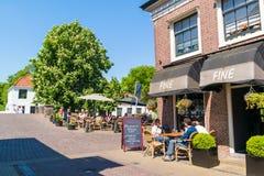 Koffie met terras in Naarden, Nederland Stock Afbeeldingen