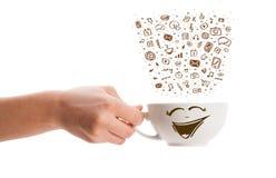 Koffie-mok met hand getrokken media pictogrammen Royalty-vrije Stock Afbeeldingen