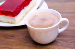 Koffie op de lijst in koffie Stock Foto