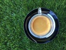 Koffie op de metaalplaat stock foto