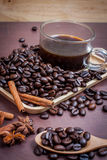 Koffie op grunge houten achtergrond Royalty-vrije Stock Afbeelding