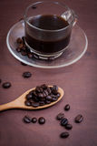 Koffie op grunge houten achtergrond Royalty-vrije Stock Foto