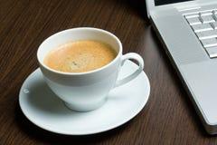 Koffie op het werk Stock Foto's