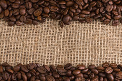 Koffie op stoffenachtergrond Stock Fotografie