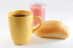 Koffie, sap en brood Royalty-vrije Stock Afbeeldingen