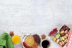 Koffie, sap en wafels stock fotografie