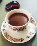 Koffie voor bureau Een kop van koffie Royalty-vrije Stock Foto's