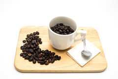 Koffiebonen in de kop Royalty-vrije Stock Fotografie