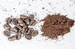 Koffiebonen en moment en koffie Stock Fotografie