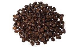 Koffiebonen van hierboven geïsoleerd op witte achtergrond Stock Foto