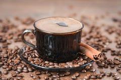 Koffiebonen, zwarte koffie Royalty-vrije Stock Afbeeldingen