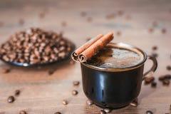 Koffiebonen, zwarte koffie Stock Afbeeldingen