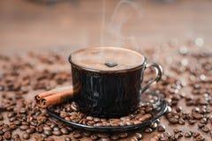 Koffiebonen, zwarte koffie Stock Foto