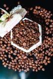 Koffiebonen, zwarte koffie Stock Foto's