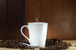 Koffiedrank op de vloer Royalty-vrije Stock Foto