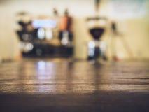 Koffiedruppel met Restaurant van de de Barkoffie van de Lijstbovenkant het tegen Royalty-vrije Stock Fotografie