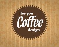 Koffieembleem op de kartonachtergrond in uitstekende stijl Stock Fotografie