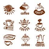 Koffieetiketten met steekproeftekst Mokken, bonen en koffiemateriaal Stock Afbeelding