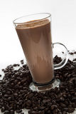 Koffieglas met koffiebonen Stock Foto