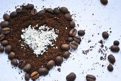Koffiehart met witte chocolade Royalty-vrije Stock Foto