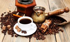 Koffiekop en metaal Turk Stock Foto's
