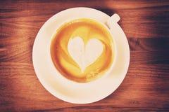 Koffiekop met Hart, Gestemd Beeld Royalty-vrije Stock Afbeeldingen