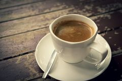 Koffiekop op de houten lijst Stock Fotografie