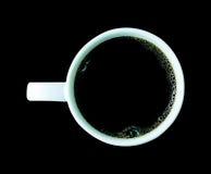 Koffiekop op zwarte achtergrond wordt geïsoleerd die Royalty-vrije Stock Foto's