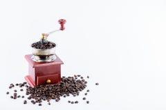 Koffiemolen met koffiebonen Royalty-vrije Stock Foto's