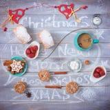 Koffiepartij op Kerstmis en Nieuwjaar stock afbeeldingen