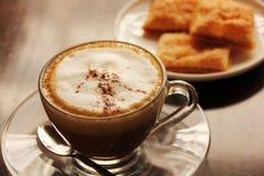 Koffiepauze stock afbeeldingen