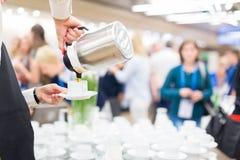 Koffiepauze op conferentievergadering royalty-vrije stock foto