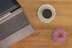 Koffiepauze op het werk Stock Foto