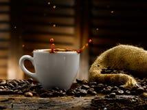 Koffieplonsen Stock Foto