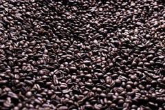 Koffiereeks: De achtergrond van koffiebonen royalty-vrije stock afbeeldingen