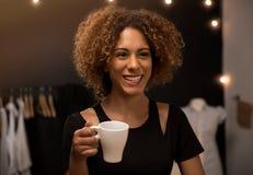 Koffietijd op mijn atelier royalty-vrije stock foto's