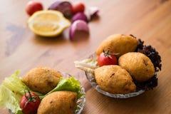 Kofte de Icli/falafel relleno de la albóndiga Fotografía de archivo libre de regalías