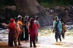 Kogala, Sri Lanka - 23 de dezembro de 2013: Mulheres locais fotografia de stock royalty free